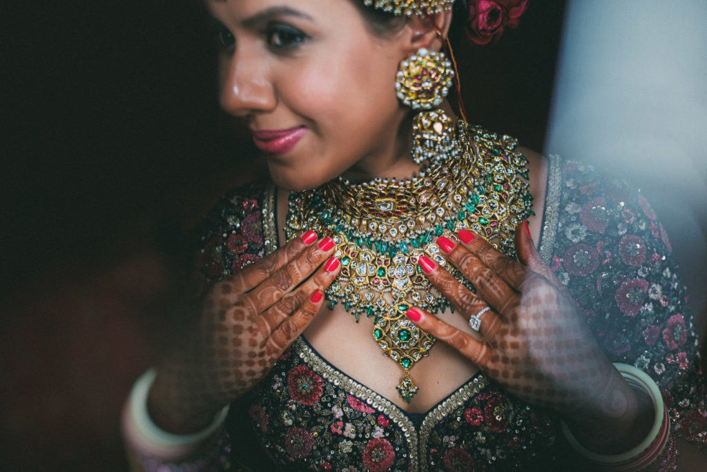 bride wearing kisandas jewellery in band baaja bride show