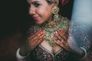 bride wearing kisandas jewellery in band baaja bride show