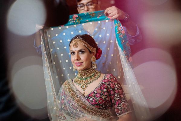 sabyasachi bride wearing kisandas jewellery necklace or band baaja bride show