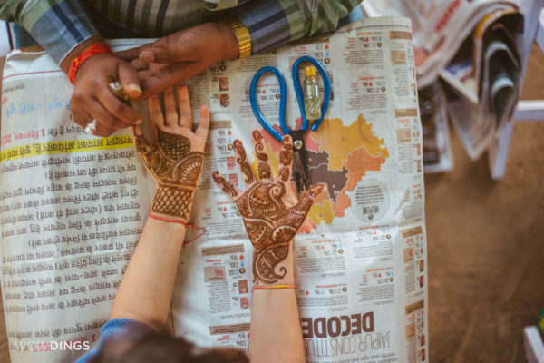 mehendi shot destination Wedding photography -priyanka-srinivas- WOWDINGS- chomu palace-jaipur